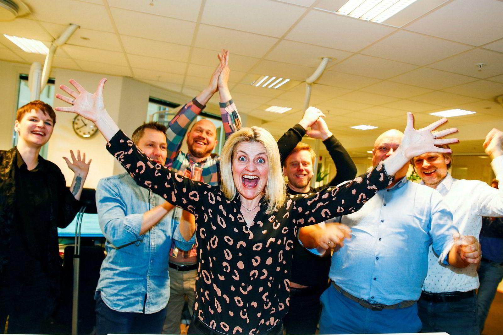 Forbrukerrådet og direktør Inger Lise Blyverket var fornøyd i dag etter at de vant frem i høyesterett i saken mot DNB.