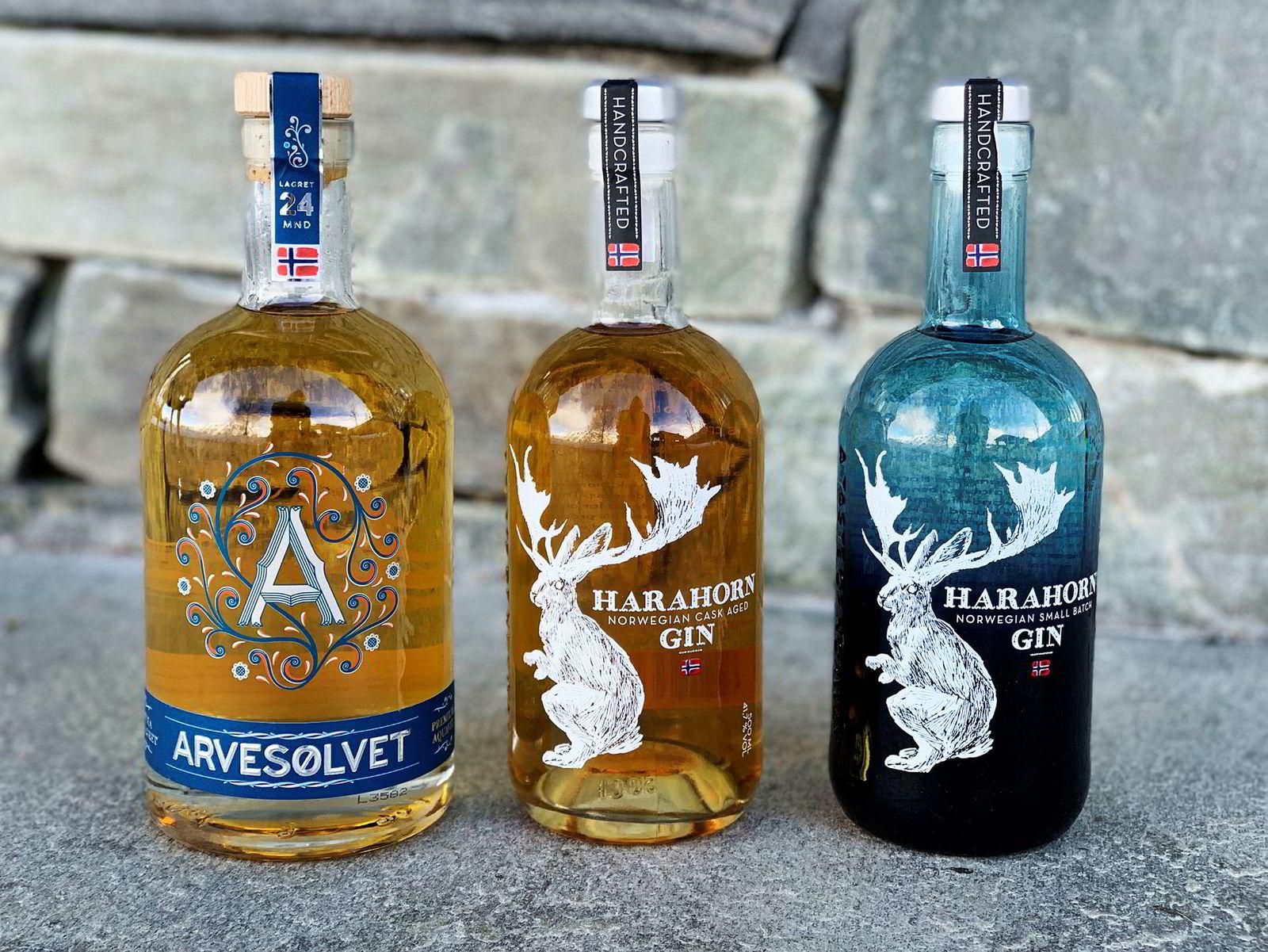 Gullvinnerne fra Det norske brenneri; Arvesølvet fatlagret akevitt, Harahorn fatlagret gin og Harahorn gin.
