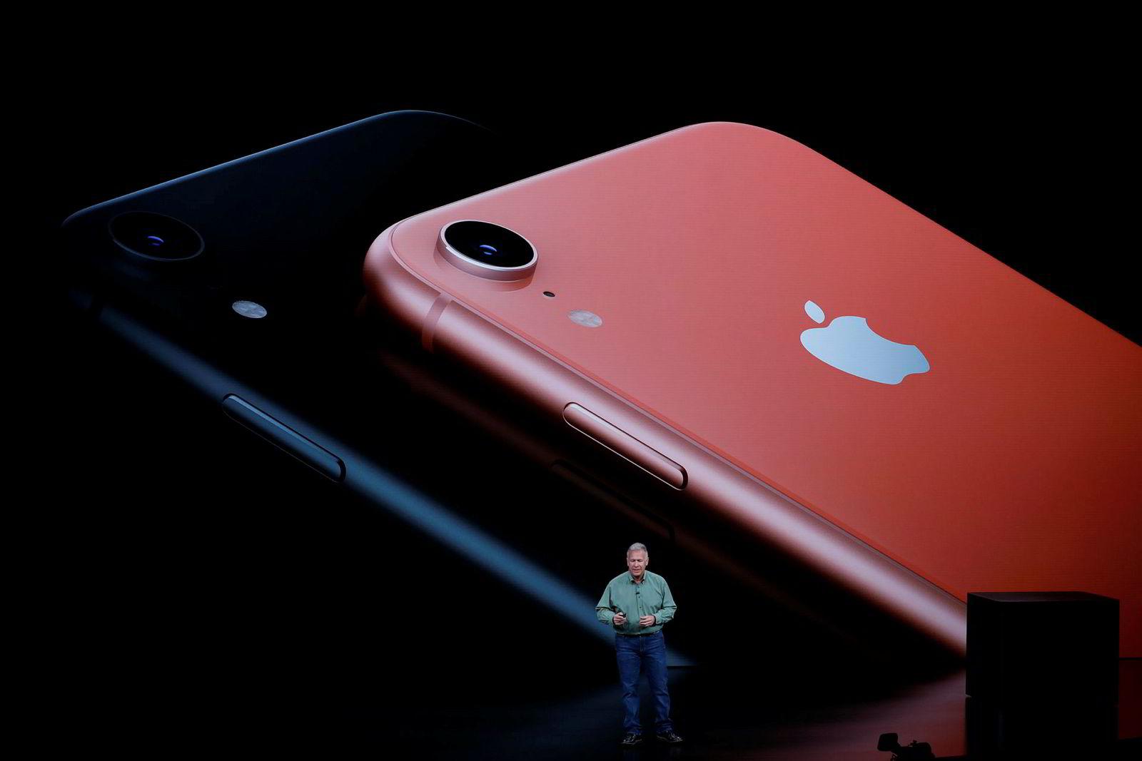 Iphone Xr kommer i seks ulike farger og til en lavere pris enn Xs-modellene.