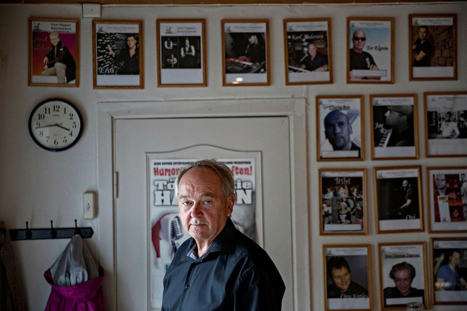 Geirr Dippner har 200 pianister i stallen. Nå selger han selskapet til den britiske pianoentertaineren Vanessa Higgins.