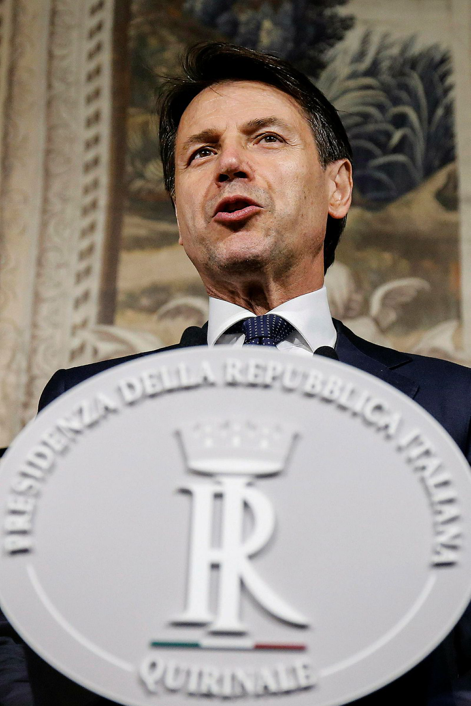 Giuseppe Conte blir etter mye om og men Italias nye statsminister.