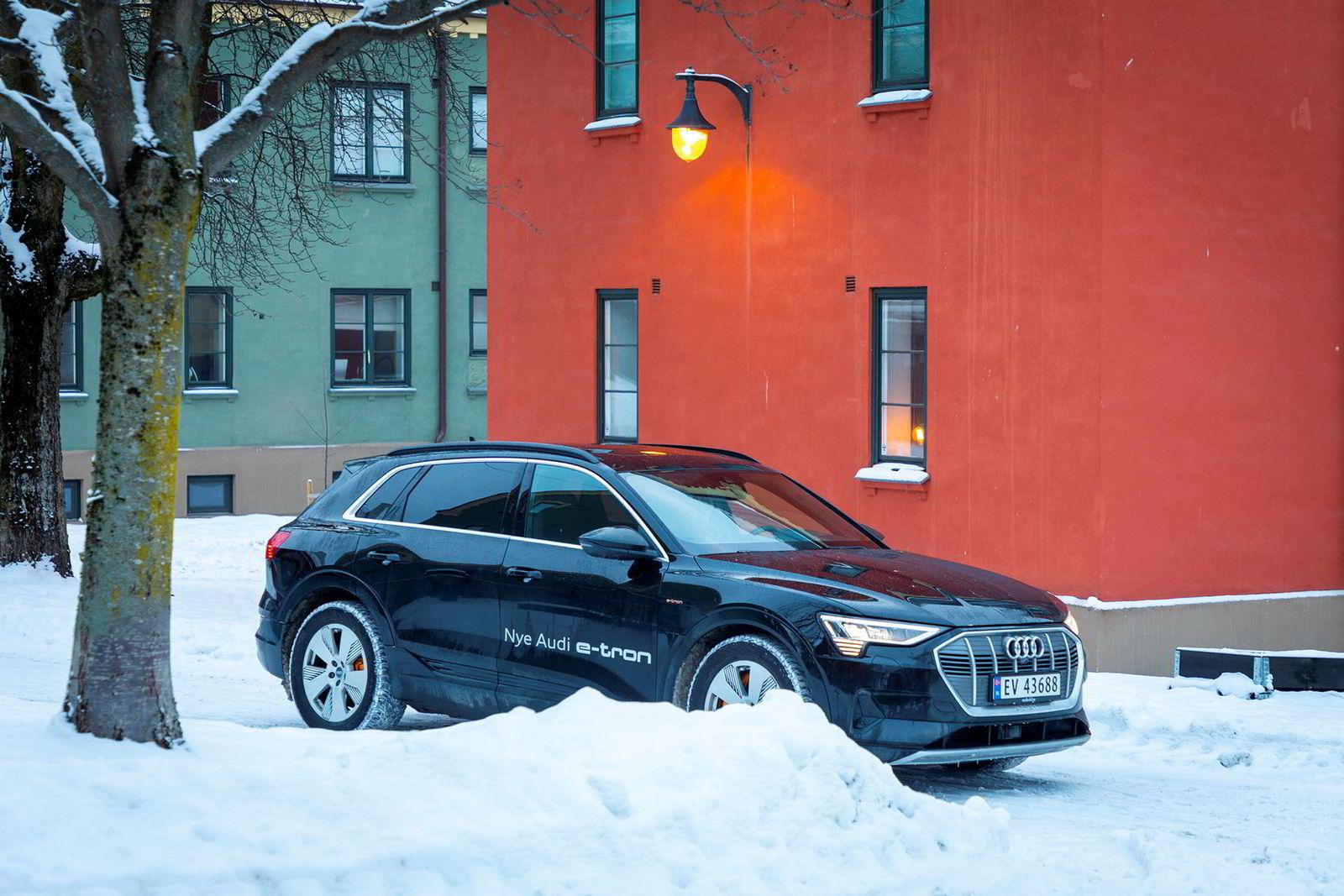 7500 nordmenn reserverte en plass i køen for Audi E-tron. Nå er det ikke lenge til de første som har kjøpt bilen får den.