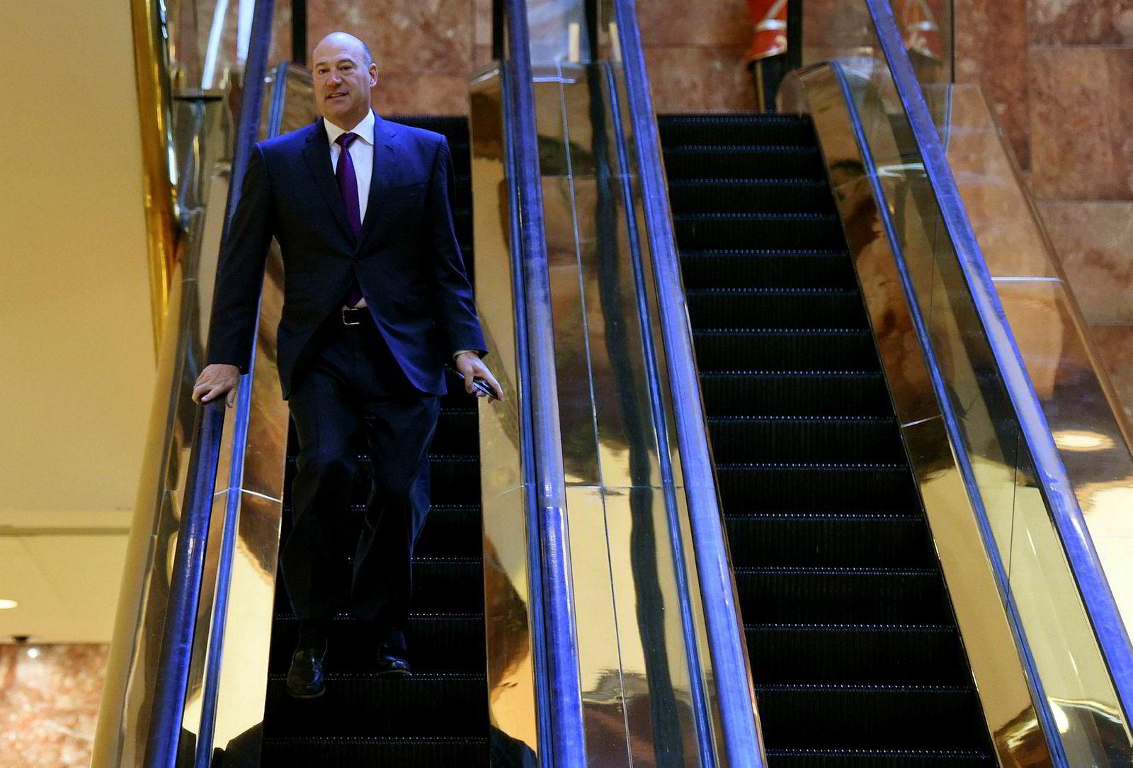 Gary Cohn er nestkommanderende i Goldman Sachs og har jobbet i banken siden 1990. Han skal lede en ekspertgruppe som skal rådgi USAs president om internasjonal og nasjonal økonomisk politikk.
