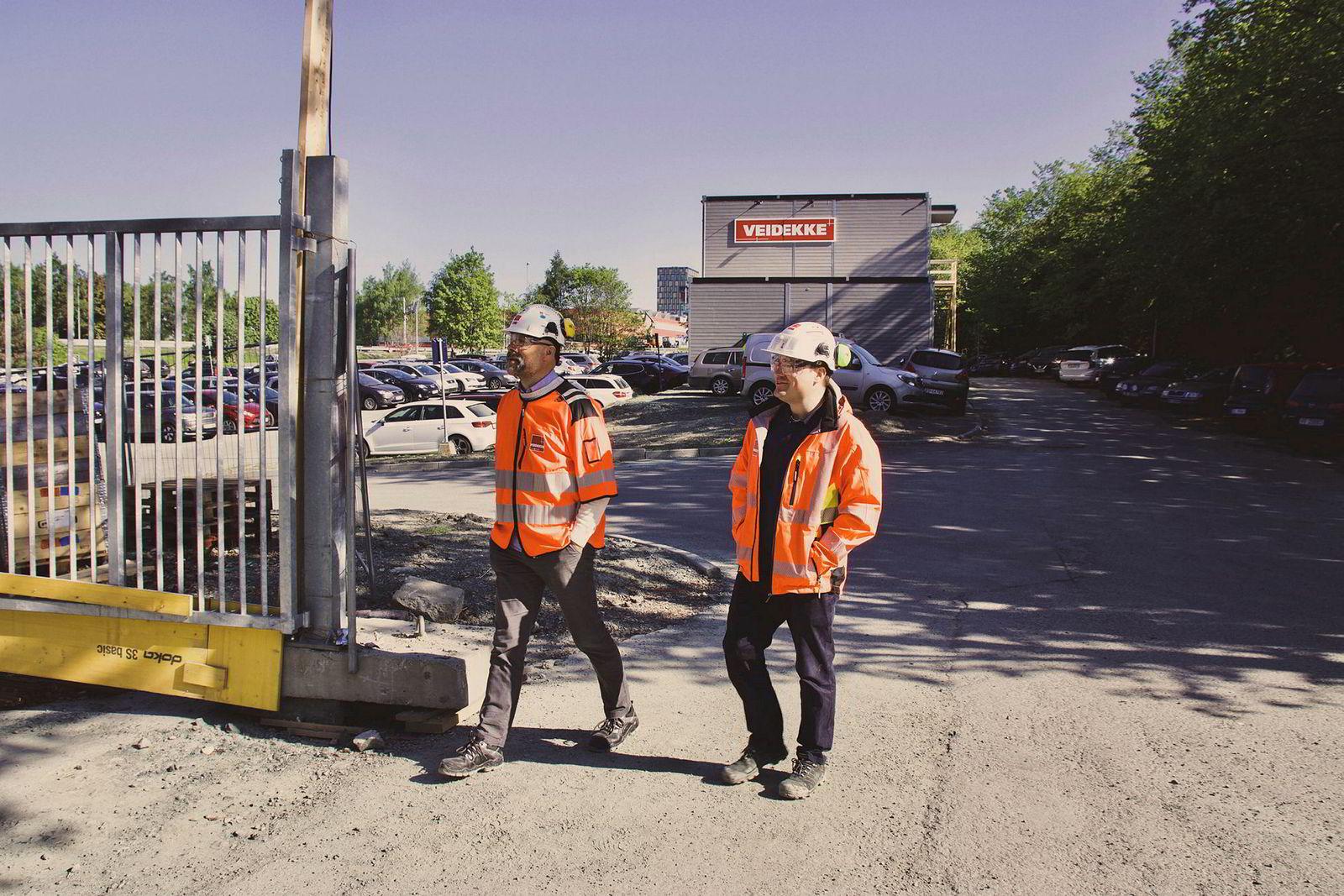 Bjørnar Gullbrekken og Trygve Karlsen var med å bygge Miljøbygget i Trondheim for 10 år siden, nå gjør de det igjen - med teknologi fra Siemens.