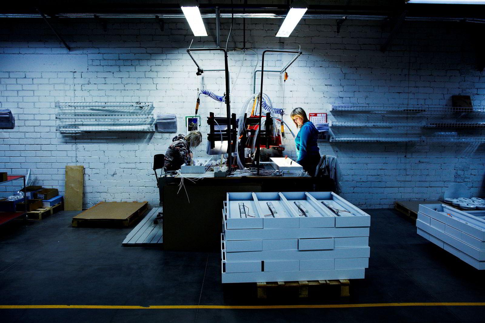 Fra en Glamox-fabrikk i Estland. Bildet er fra 2010.