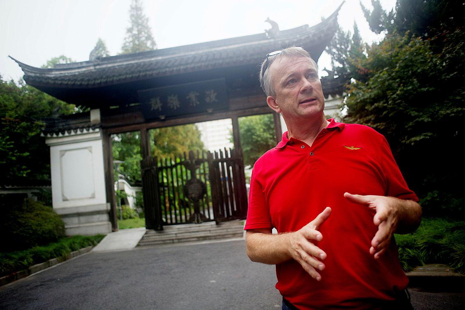 Jan Ketil Arnulf, professor i ledelse og organisasjon ved Handelshøyskolen BI, sier Kina aldri vil gi seg i handelskrigen. Her er Arnulf i Shanghai i 2013.