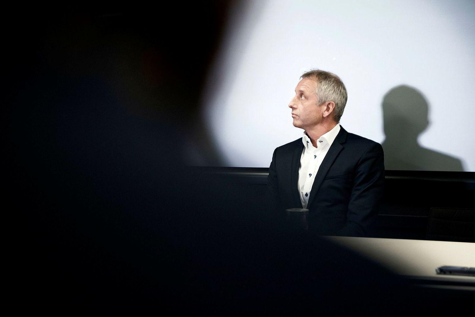 Etter to års etterforskning henla Økokrim korrupsjonssiktelsen mot tidligere Vimpelcom-sjef Jo Lunder. Hans advokat gjorde det straks klart at Lunder vil kreve en høy erstatning for de tap to års etterforskning har påført ham.