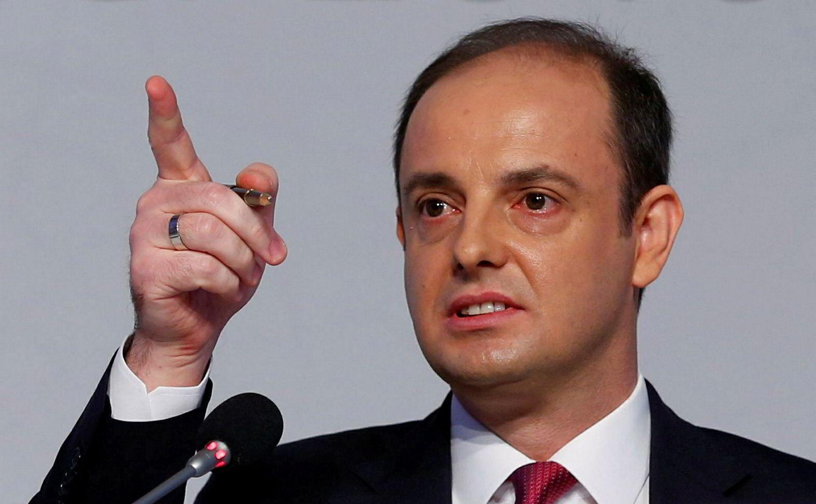 Sentralbanksjef Murat Çetinkaya satte opp renten mer enn ventet.