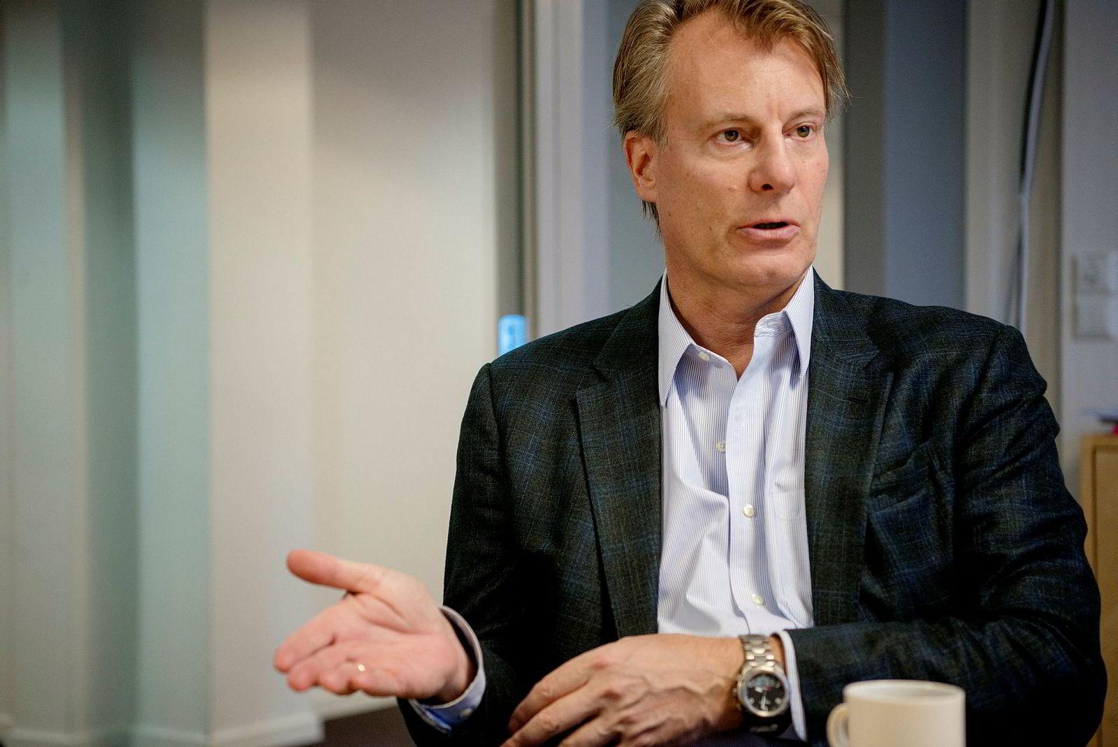 Leder av Etikkrådet for Oljefondet, Johan H. Andresen, mener det er stor sannsynlighet for at det vil anbefale Norges Bank å trekke ut selskaper i Gulfen som er knyttet til tvangsarbeid.