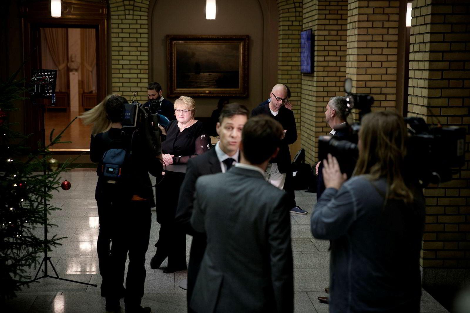 Knut Arild Hareide og Trine Skei Grande kommenterer statsrådskiftene tidligere i dag.