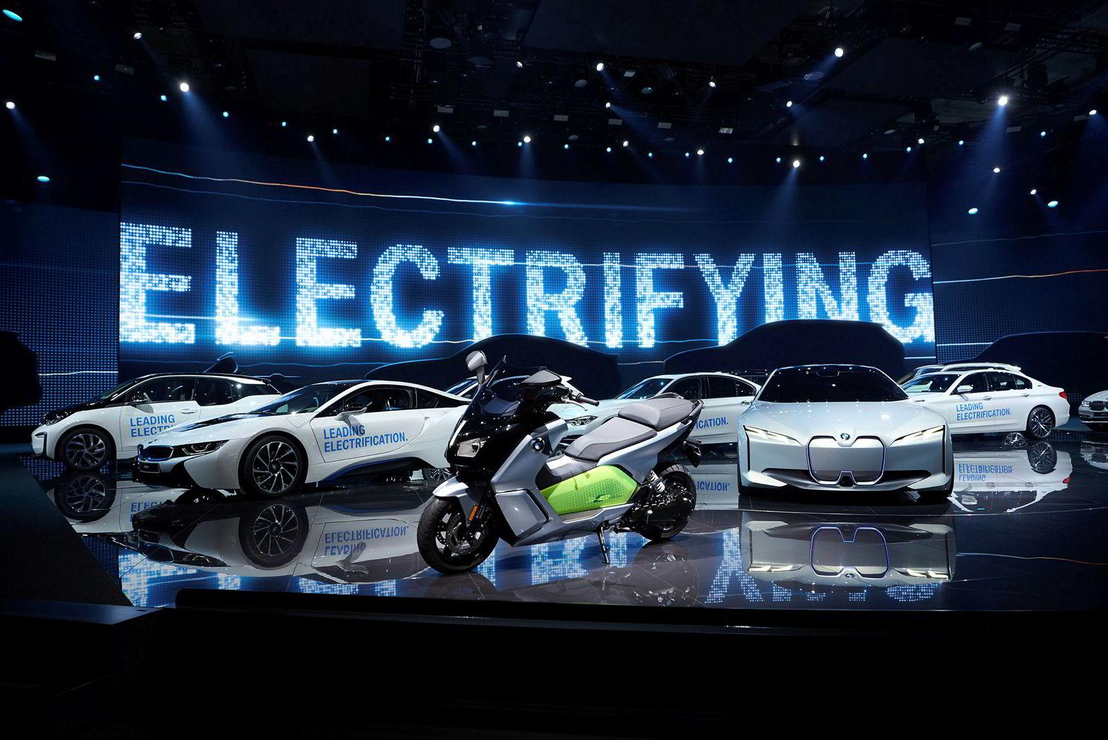BMW-standen var preget av elektriske biler, men ingen av dem drevet av brenselceller.