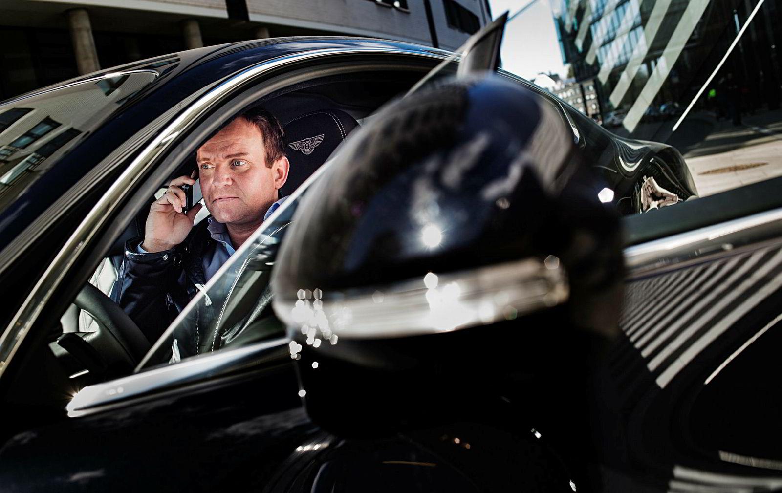 Dag Høili, her avbildet i en Bentley Continental GT.