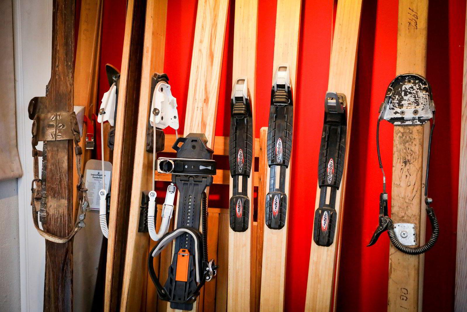 En over 80 år lang historie har gitt en lang rekke skimodeller opp gjennom årene. De smaleste skiene de har laget ble gått med under Ski-VM i Holmenkollen i 2011 av en irsk løper.