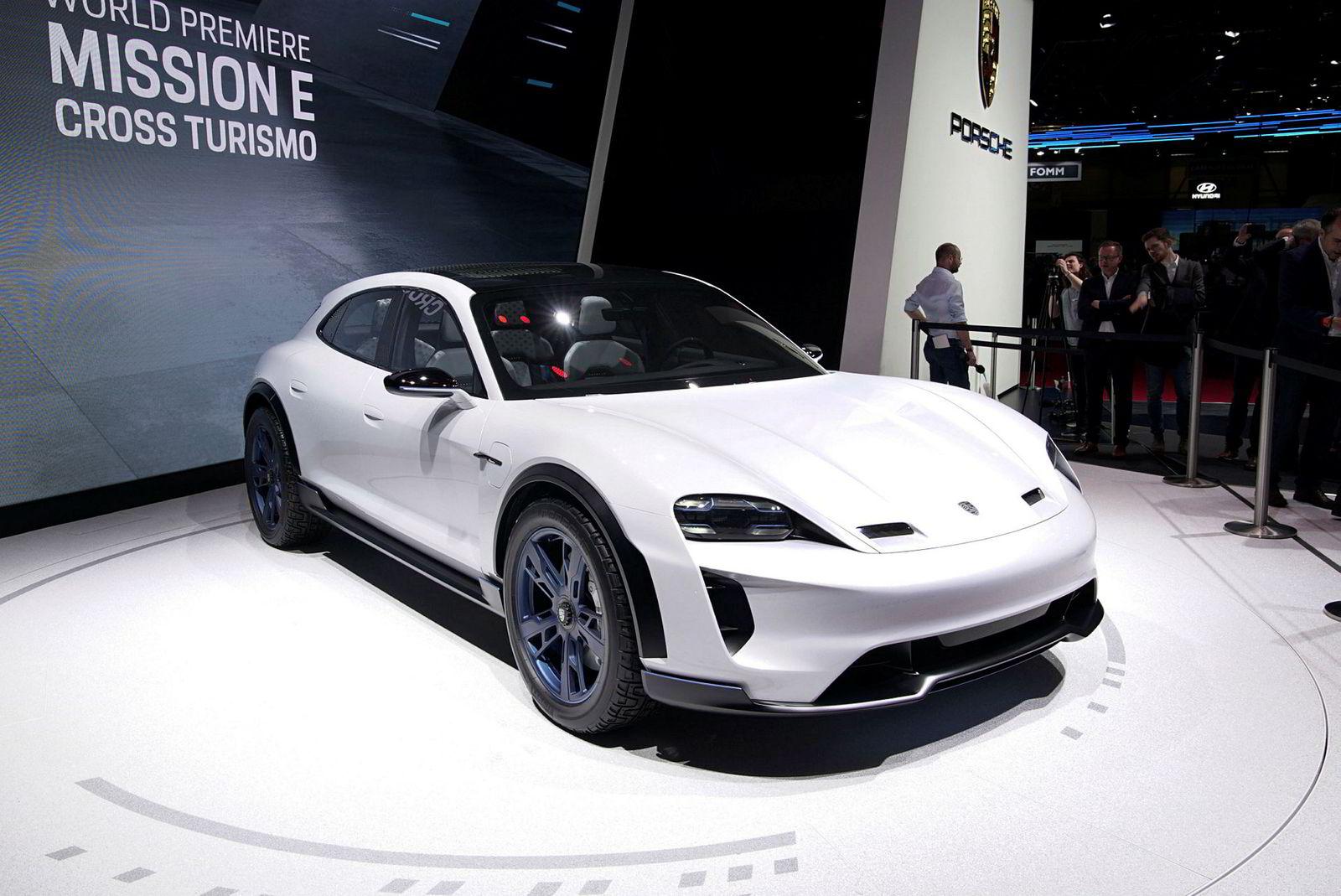 Porsche Mission E Cross Turismo i Genève 2018.