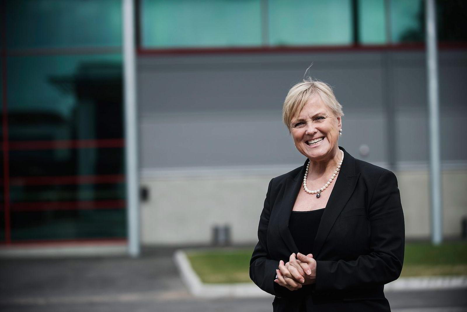 Kulturminister Thorhild Widvey presenterte det nye mediemangfoldsutvalget fredag.