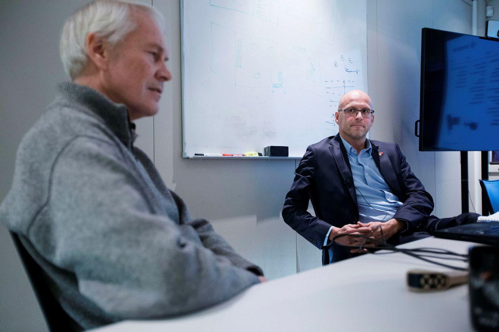 Prox ble grunnlagt i 2008, men Petter Muren (t.v) hadde hatt fly og helikoptre som hobby siden han var seks år - nå er han 55 år. Administrerende direktør Gudmund Kjærheim til høyre.