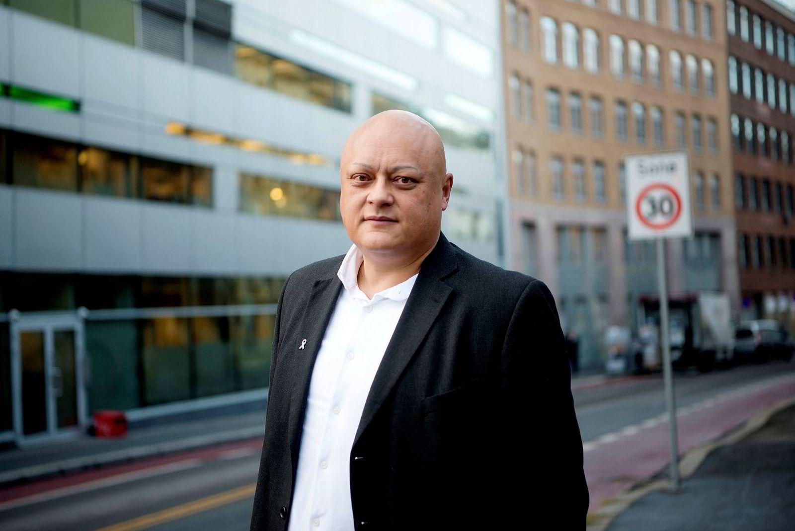 Fagdirektør for finans Jorge Jensen i Forbrukerrådet mener bankene nå må være raske på labben med rentenedsettelse.