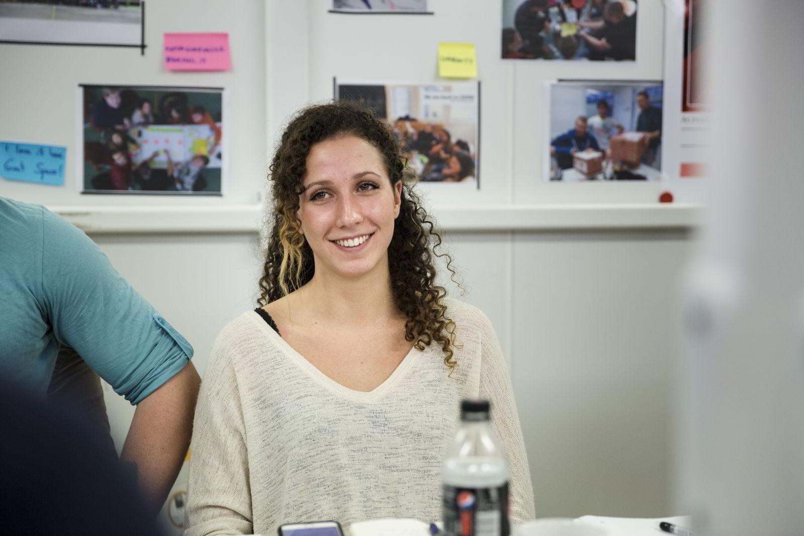 – Forelesere og foredragsholdere oppfordrer oss til å ikke velge apper, sier Marina Santos Haugen (22), som er student på Entreprenørskolen på NTNU. Foto: Per Thrana