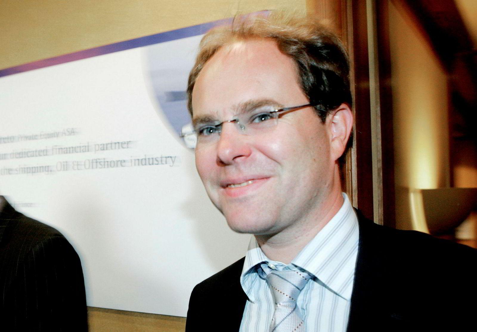 Tidligere aksjemegler i Pareto, Kjetil Sjursen, meglet de omstridte aksjepostene i Crew.