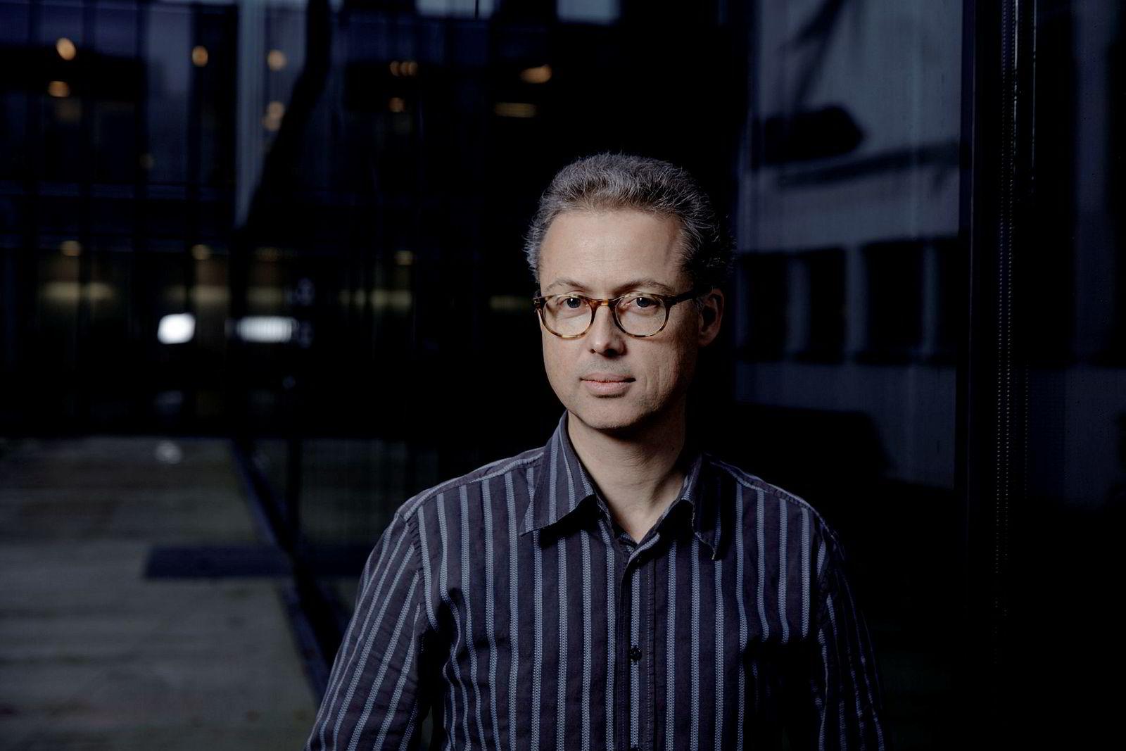 Jarle Møen, professor ved Norges Handelshøyskole, er svært overrasket over NHOs forslag.