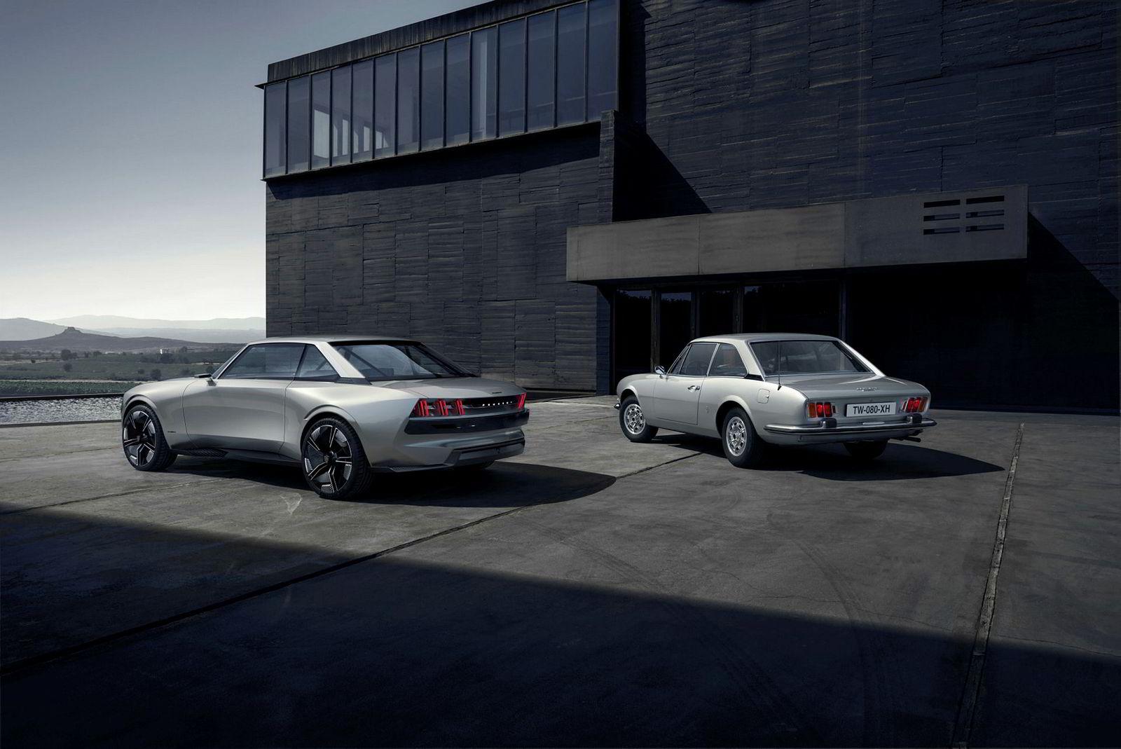 Her er Peugeot E-Legend Concept sammen med en 504 Coupé.