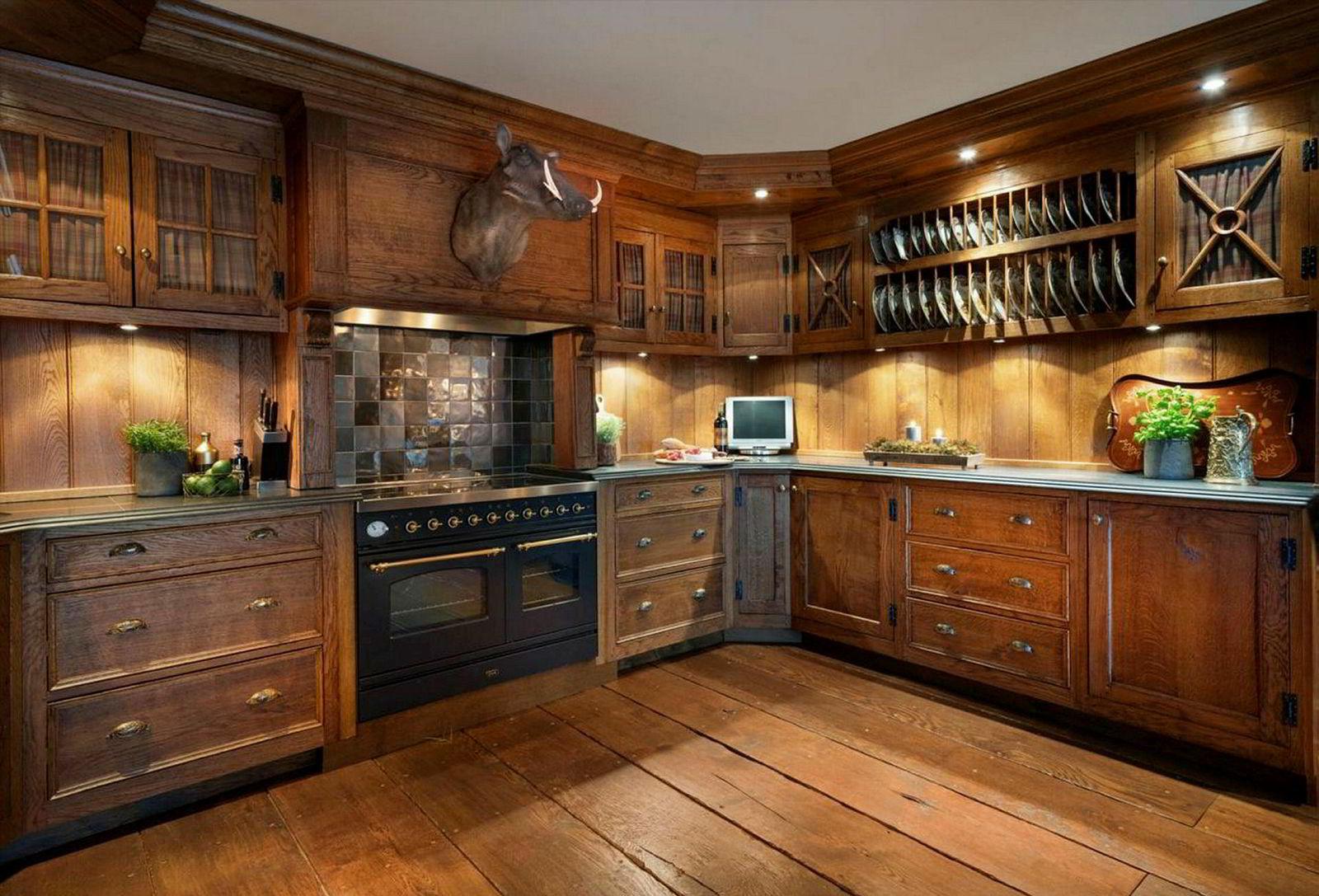 Kjøkkenet i leiligheten.