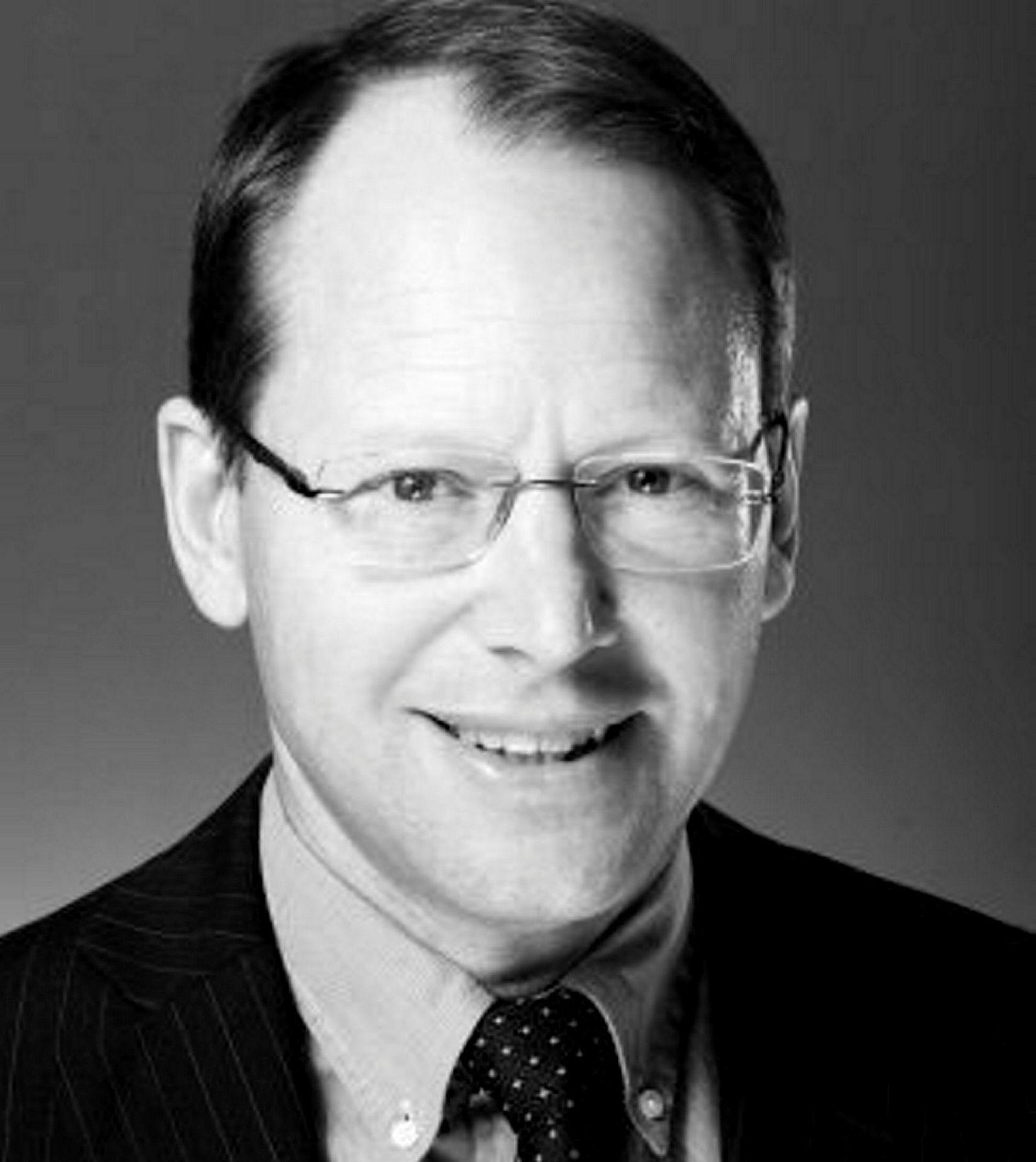 Knut Glad, som nå har kjøpt Vragviga utenfor Grimstad for 32 millioner kroner, er advokat og daglig leder for advikatfirmaet Føyen Torkildsen i Oslo.