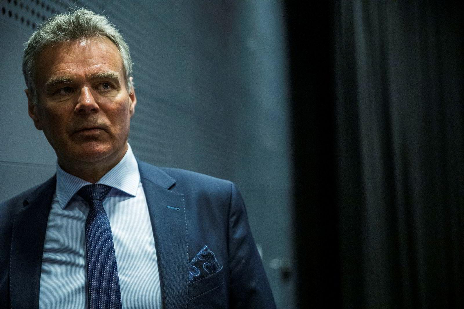 Analytiker Hans Jørgen Elnæs i Winair.
