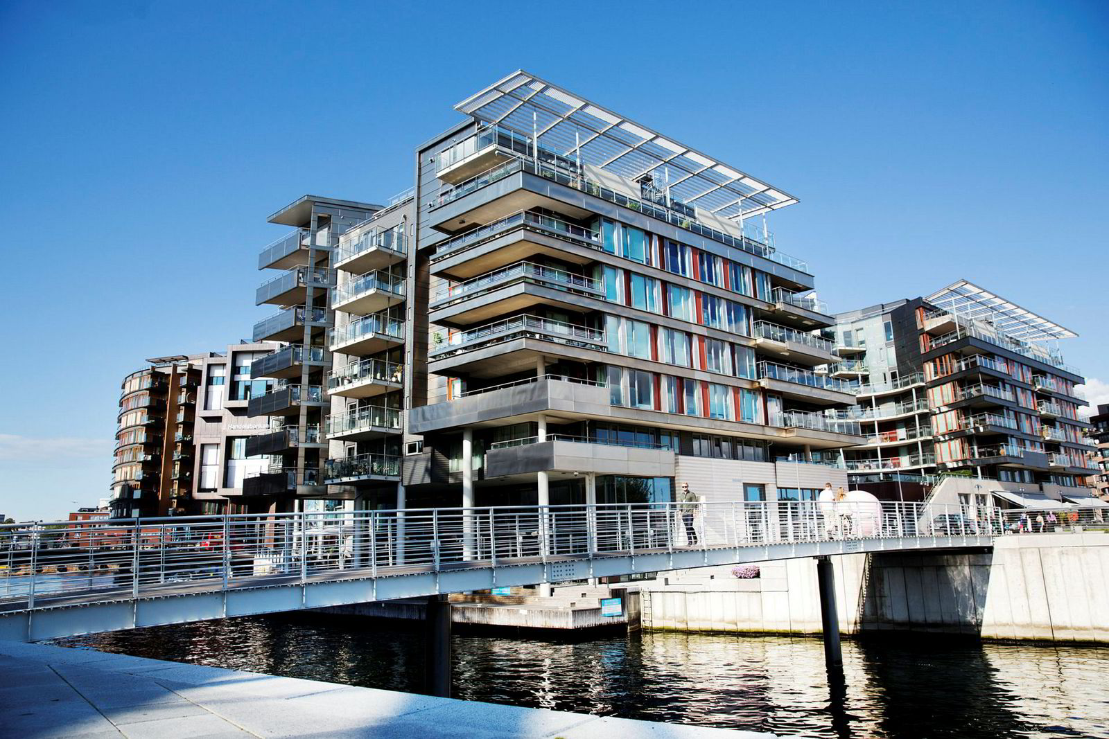 I sommer ga Aage Thoresen 67,5 millioner kroner for penthouseleiligheten til Einar Aas på Tjuvholmen i Oslo.