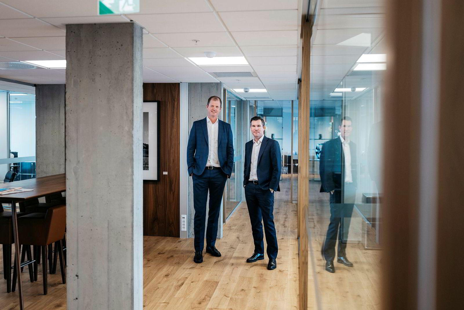 Øyvind Mikalsen i Camar Eiendom som eies sammen med Ole Ertvaag i Hitecvision har planer om milliardinvesteringer i eiendom. Her sammen med Sindre Ertvaag, toppsjef i Camar.