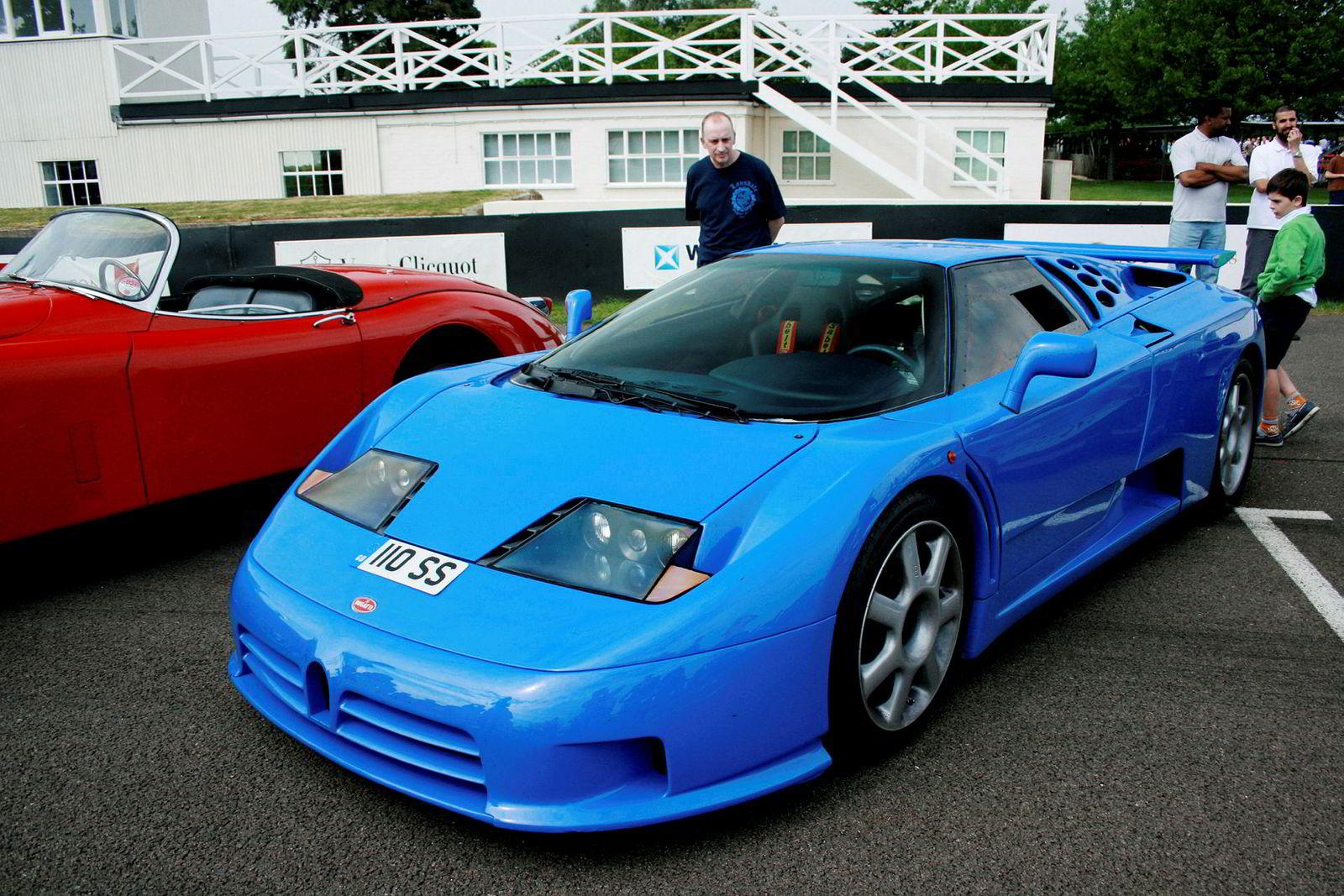 Etter det Dagens Næringsliv forstår, er det salget av en Bugatti EB110 inntektene stammer fra, tilsvarende bilen på bildet.