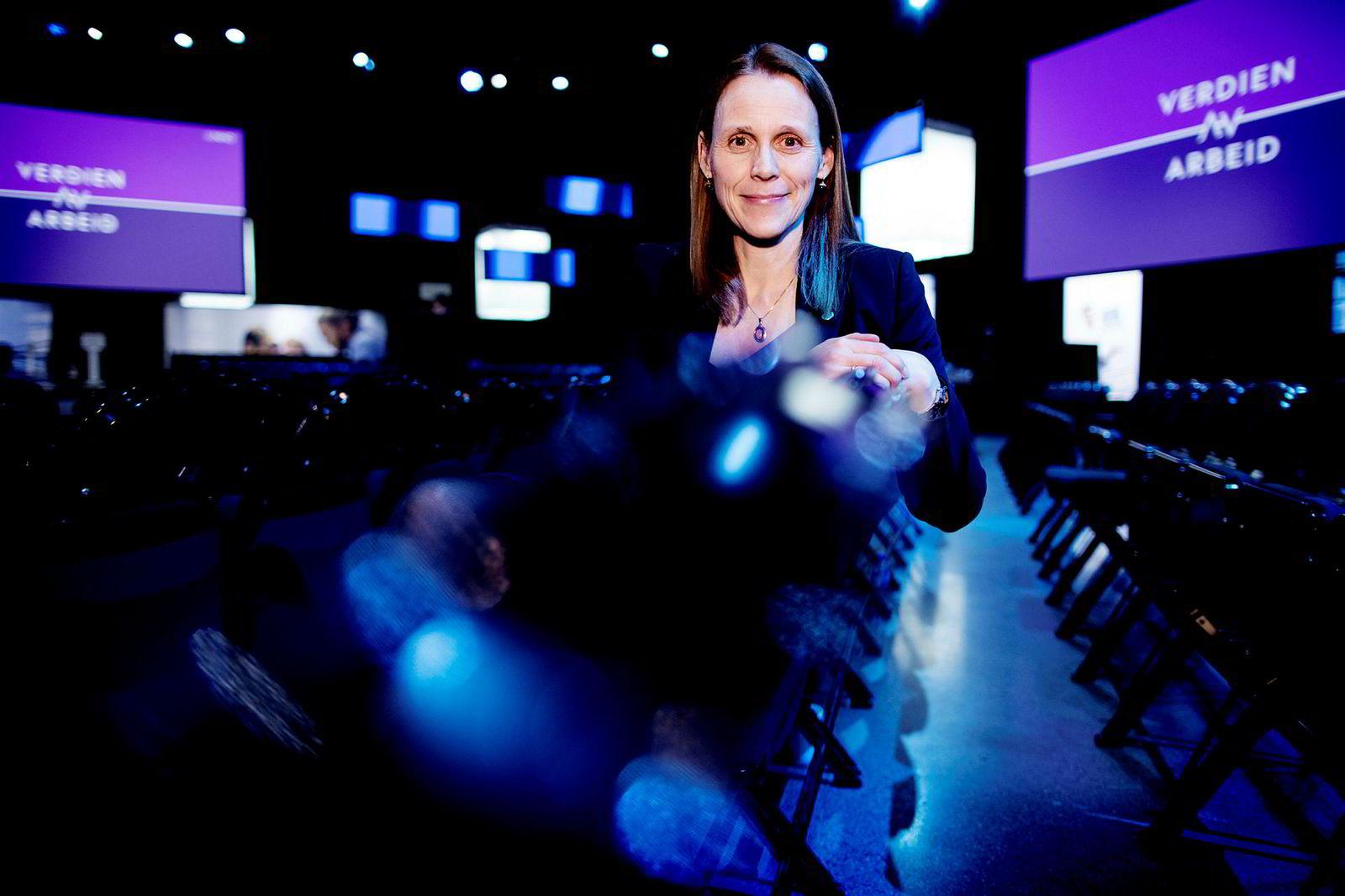 President Lise Lyngsnes Randeberg i Tekna slår et slag for norske studenter.