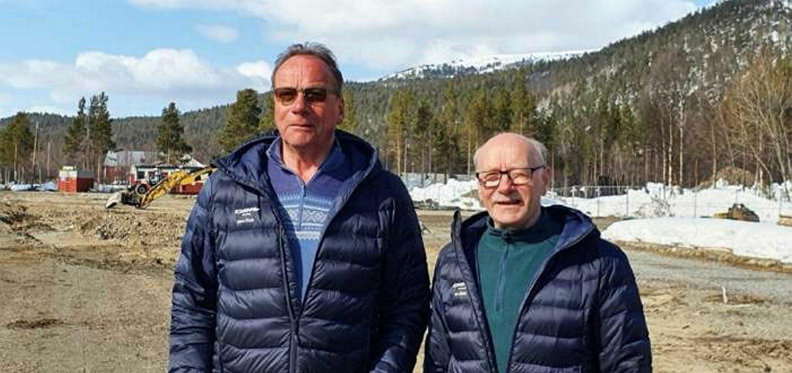 Hans Ulrik (til venstre) og Tor Kjetil Wisløff eier og driver reiselivsbedriften Sorrisniva 20 minutters kjøretur fra Alta.