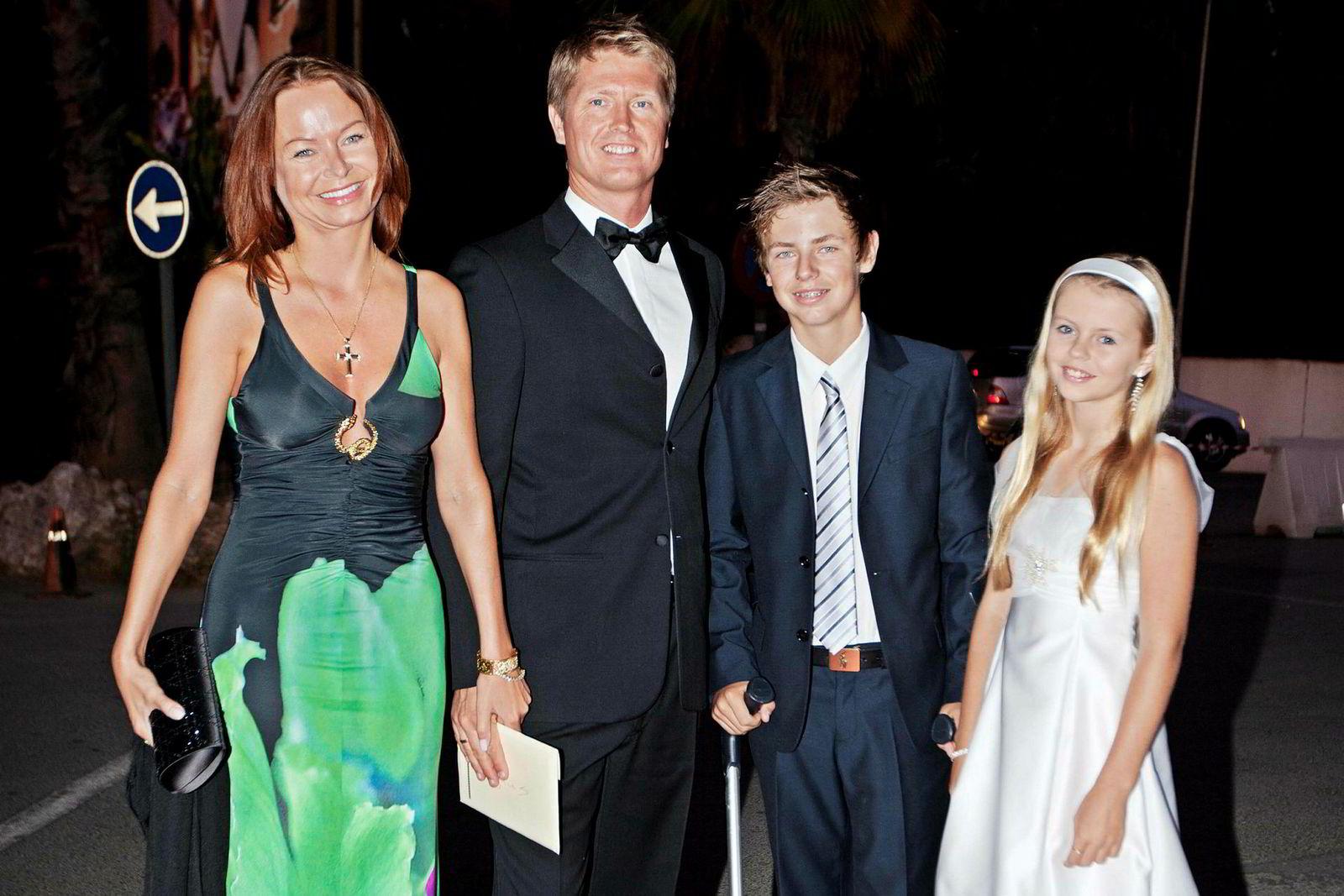 Magnus Reitan og kona Siv Beate sammen med barna Kristoffer og Viktoria i 2011.
