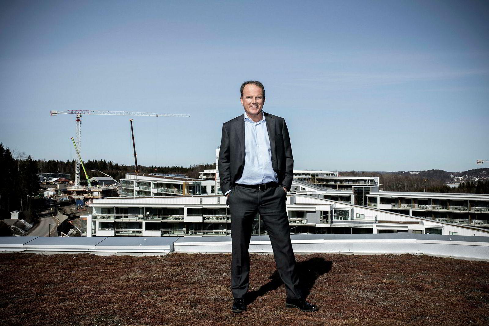 Roar Ingdal, styreleder ved det gigantiske Oslofjord Convention Center eiet av Brunstad-menigheten, anbefaler Filadelfia i Kristiansand å droppe alkoholforbudet.