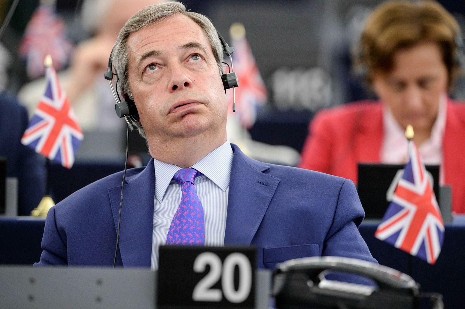5. april 2017: Nigel Farage, tidligere partileder i Storbritannias uavhengighetsparti Ukip, fikk oppmerksomheten han ønsket i Europaparlamentet i april. Farage anklaget EU for å opptre som mafia. Ukip er et euroskeptisk parti og heiet frem brexit.