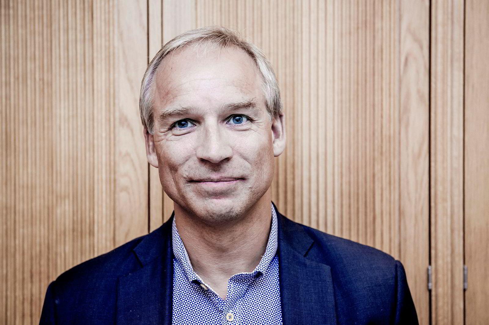 KrFs finanspolitiske talsmann Hans Olav Syversen mener endringene legger til rette for at investeringer kan kanaliseres til næringslivet.