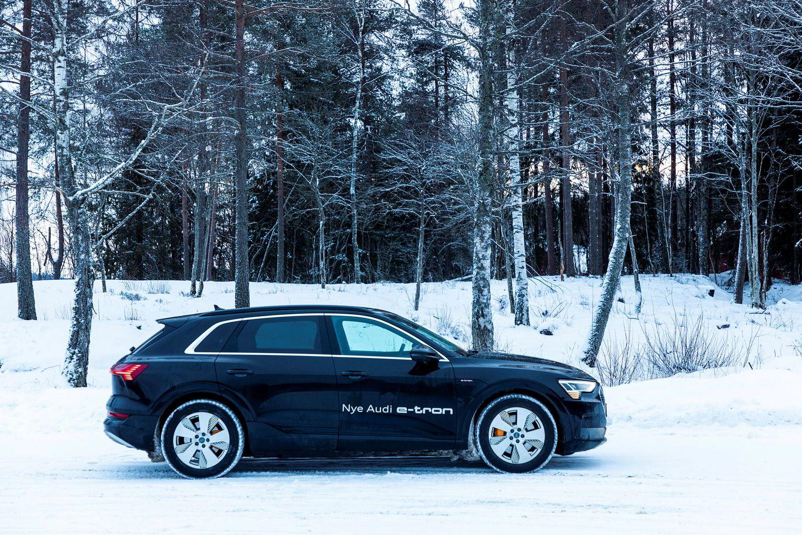 Solid byggekvalitet og gode kjøreegenskaper gjør Audi E-tron til en utfordrer til Teslas elbiler.