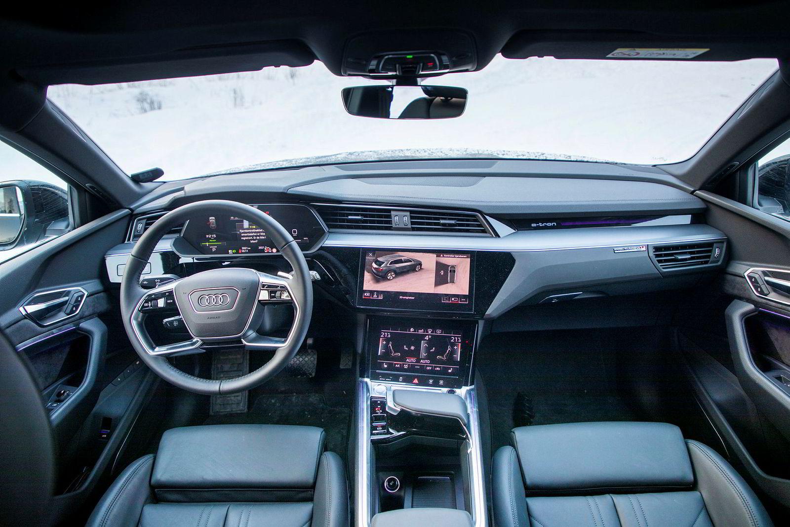 Velkjent, solid og bra interiør i Audis første elbil.