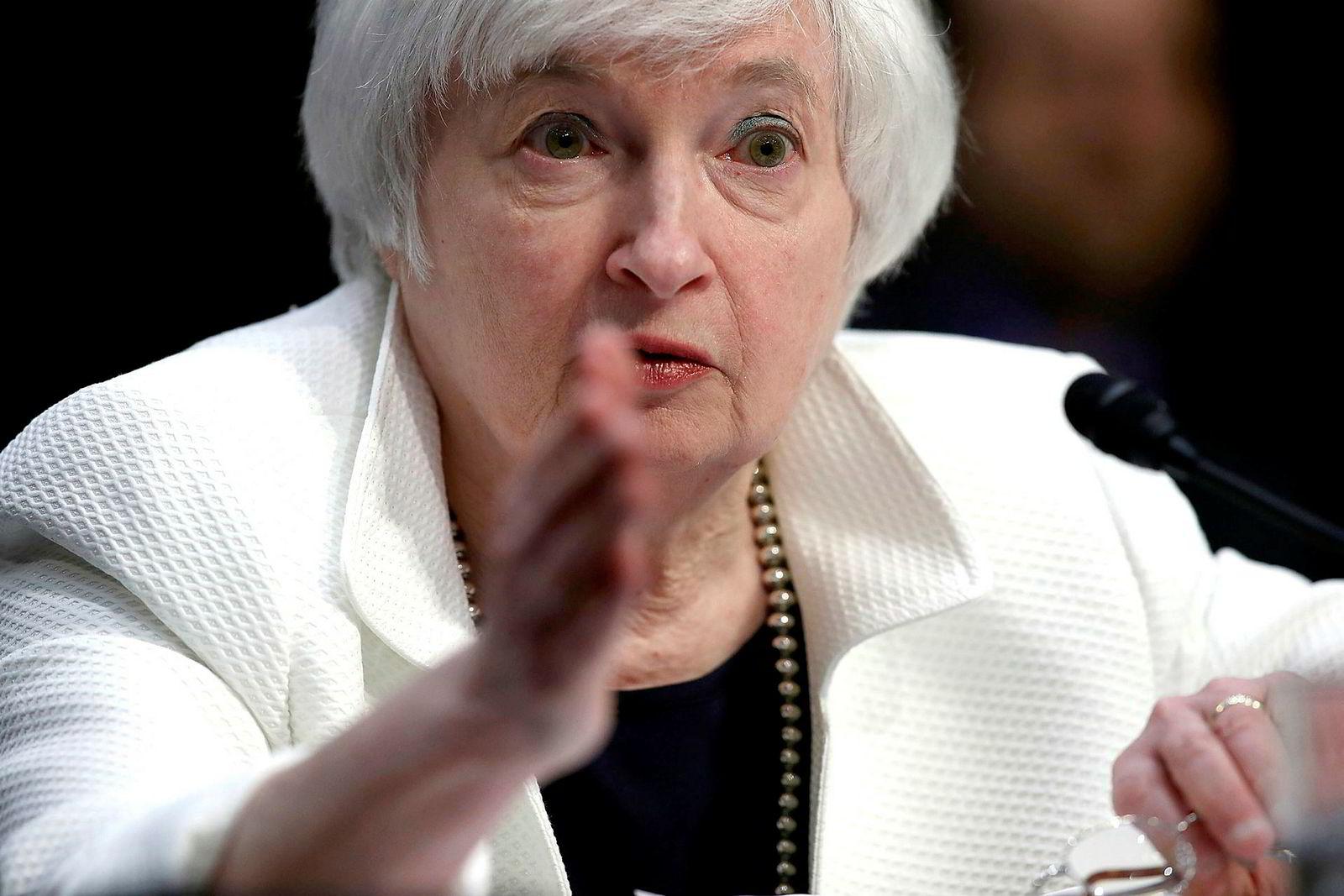 Sentralbanksjef Janet Yellen har et todelt mandat for rentesettingen: Maksimal sysselsetting og at inflasjonen, som er et mål for den samlede prisveksten i økonomien, skal være på rundt to prosent over tid.