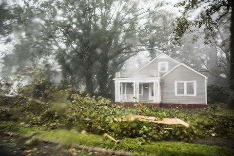 Store skader i området River Bend.