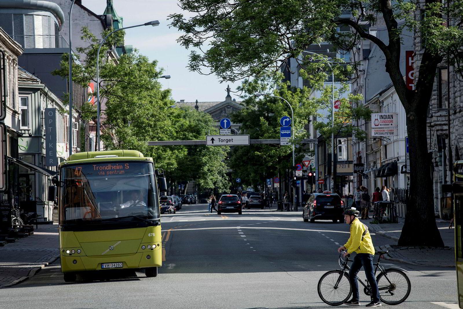 Trondheim har gjort et av Norgeshistoriens største innkjøp av elbusser, også med eget GPS-system. De bygger også et helt nytt transportsystem som skal gjøre det mer miljøvennlig og effektivt å reise kollektivt.