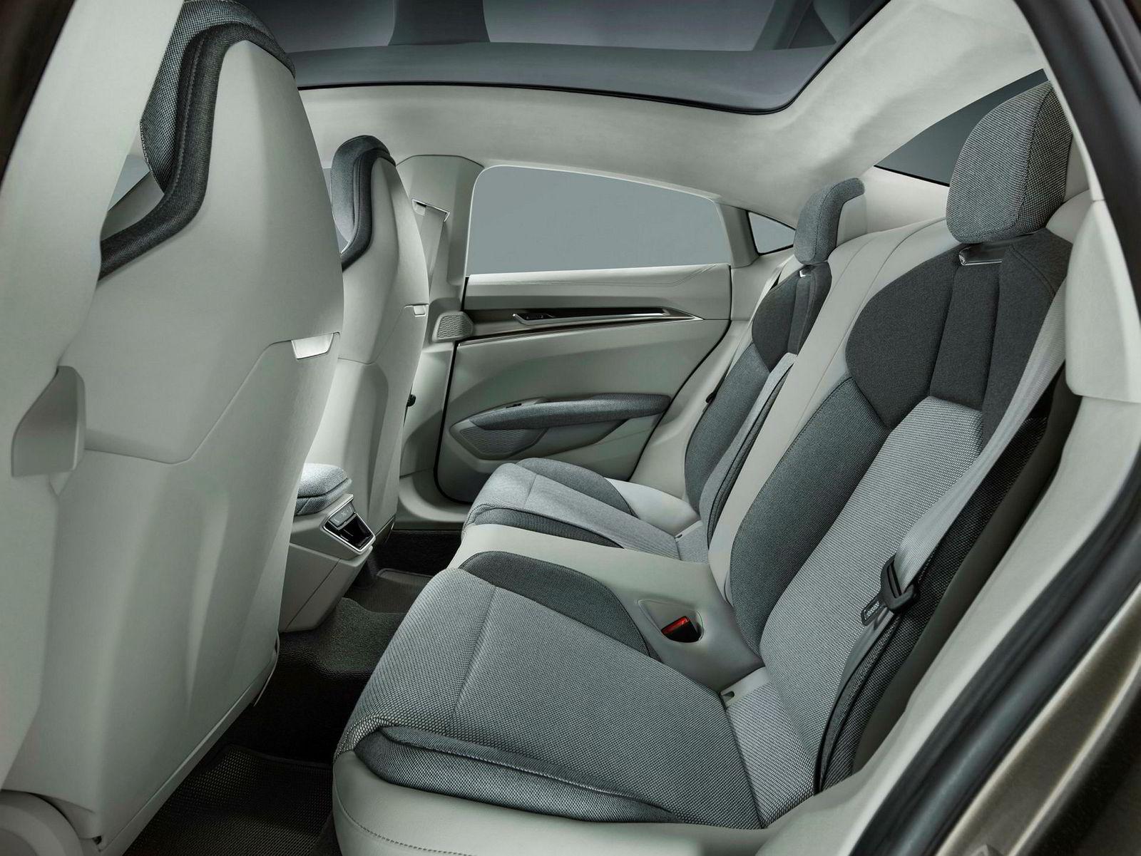 . Audi E-tron GT Concept.