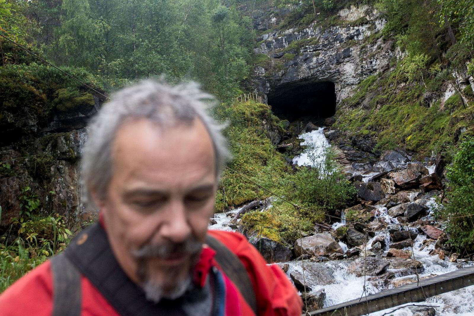 Ulv Holbye har kjent en dragning mot hullene i jordskorpen helt siden barndommen på 50-tallet.