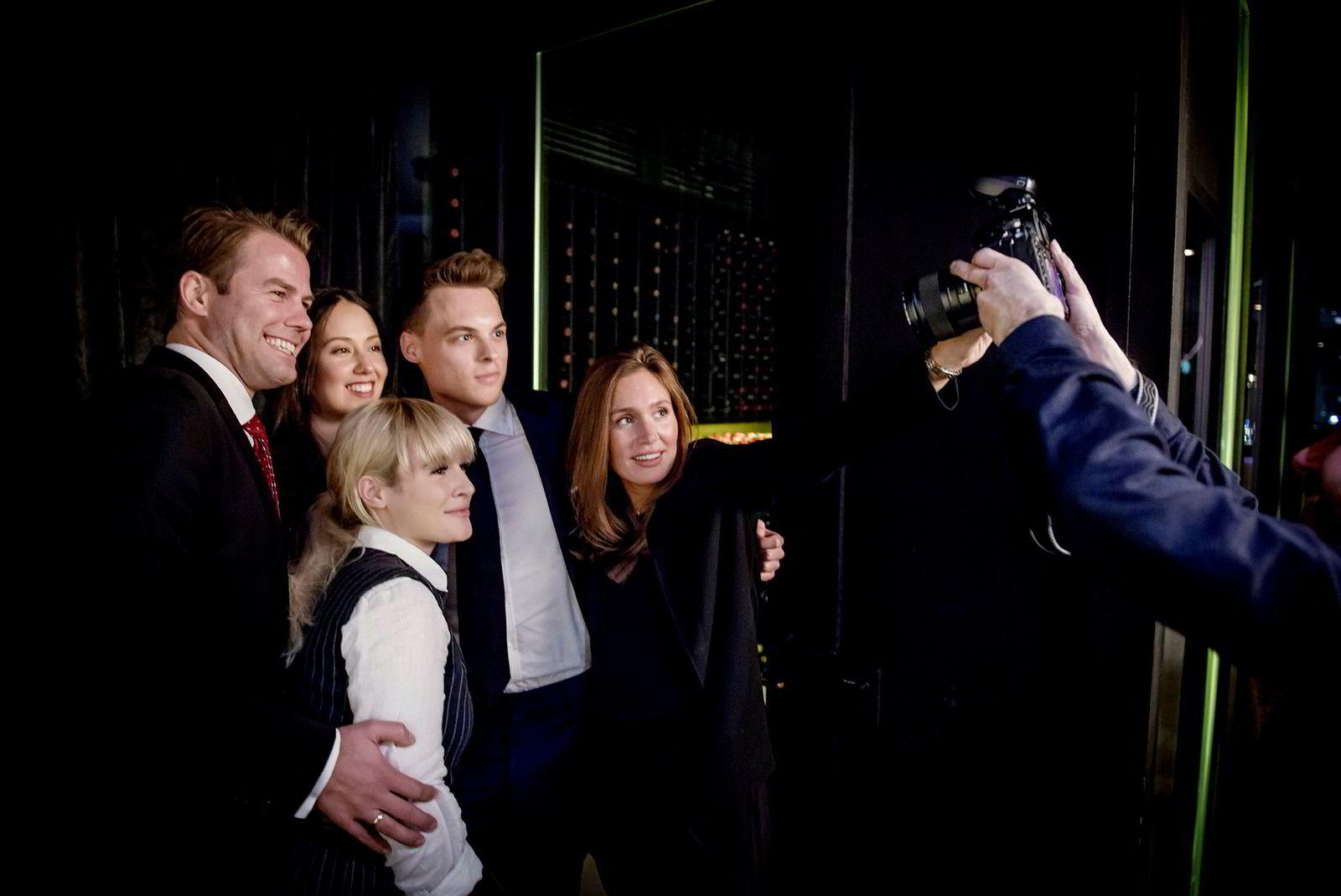 Katharina G. Andresen (venstre) studerer ved Handelshøyskolen BI og har brukt mye tid på sosialt entreprenørskap gjennom familiens konglomerat Ferd. Her sammen med Lars Ola Kjos, Sasha Siem, Gustav M. Witzøe og Anette Ringnes.