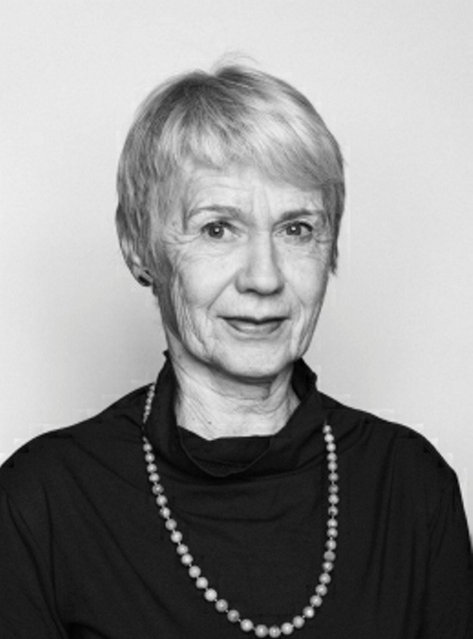 Professor emerita Elisabeth Tostrup ved Arkitektur- og designhøgskolen i Oslo (AHO).