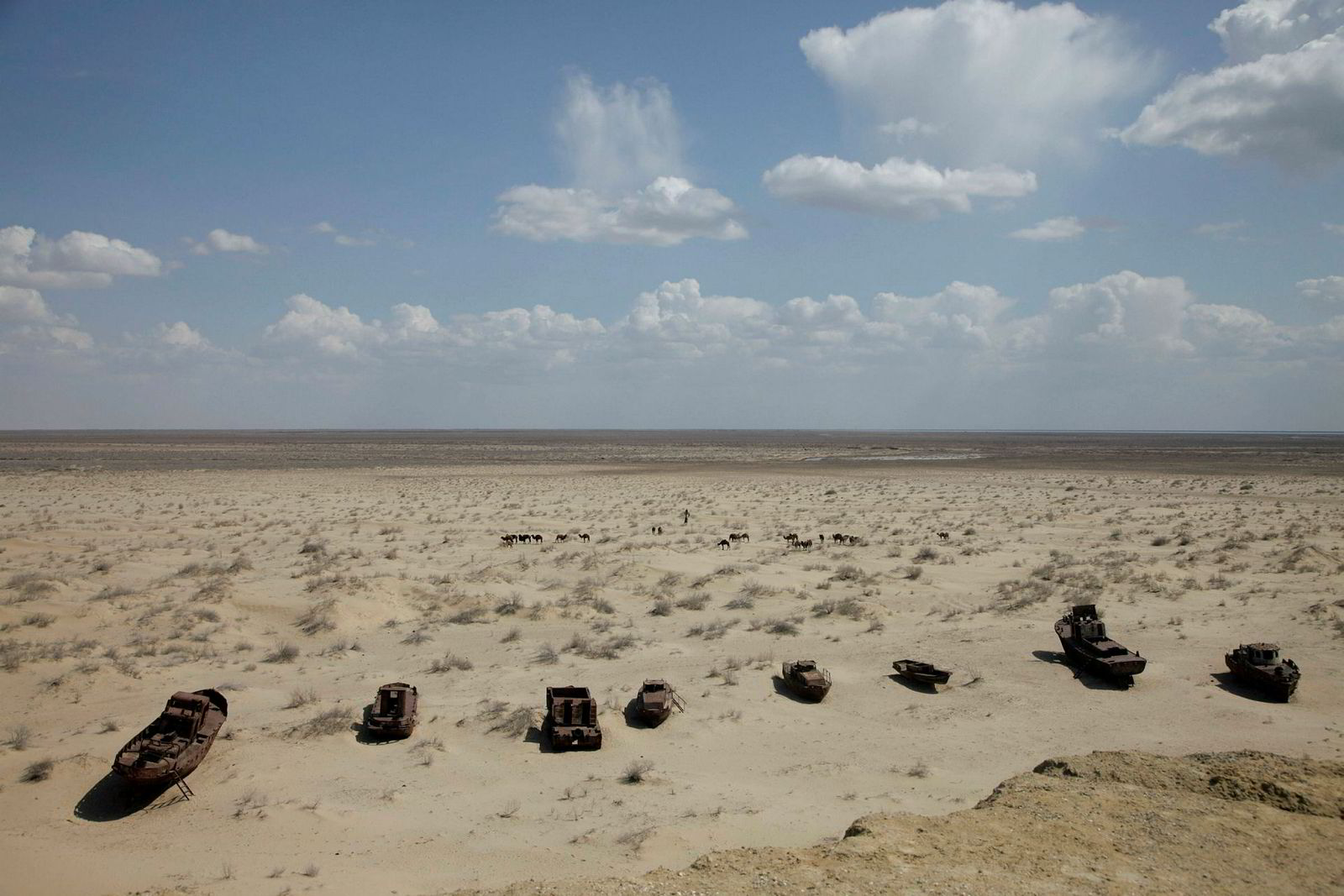 Det som tidligere var Aralsjøen i Usbekistan er nå kun en giftig ørken.