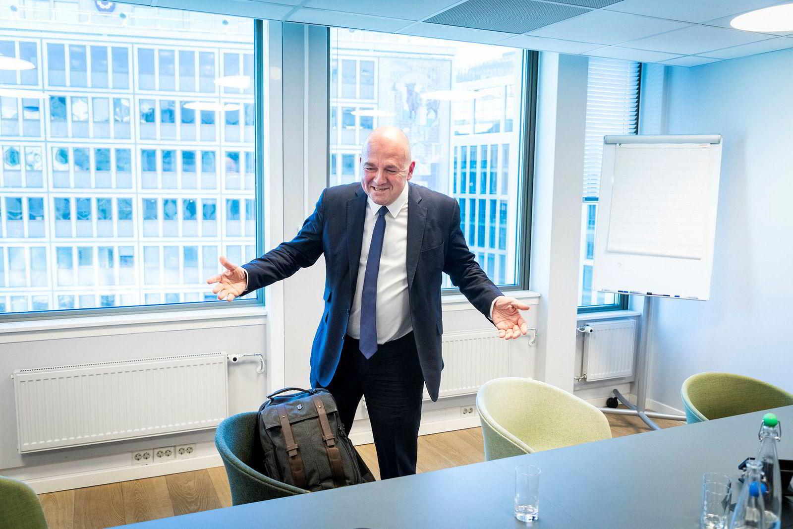 Det er blitt mange turer til Norge de siste ukene for Euronext-sjef Stéphane Boujnah, noe som blant annet har gitt ham en kraftig forkjølelse.