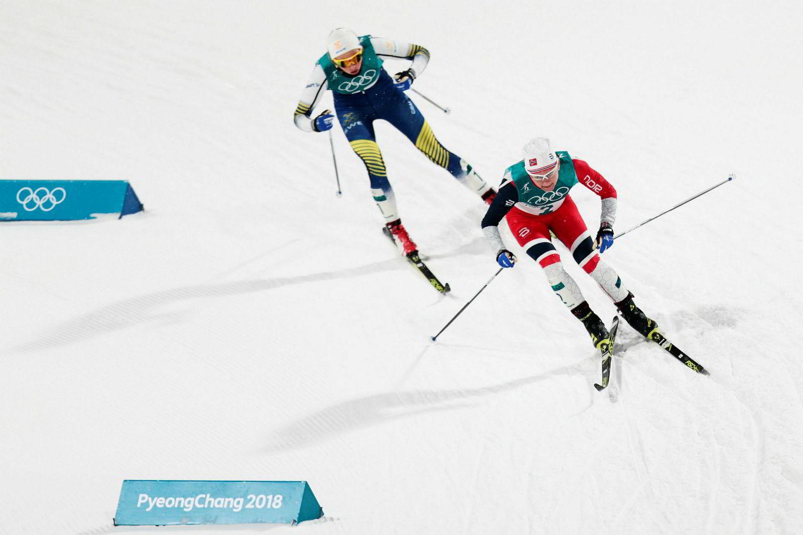 I kvinnefinalen var det Stina Nilsson som kjørte best i den siste utforkjøringen inn mot stadion i Pyeongchang. Inne på stadion hadde hun avgjort løpet til sin fordel. Her fra semifinalen mot der sølvvinner Maiken Caspersen Falla lå først.