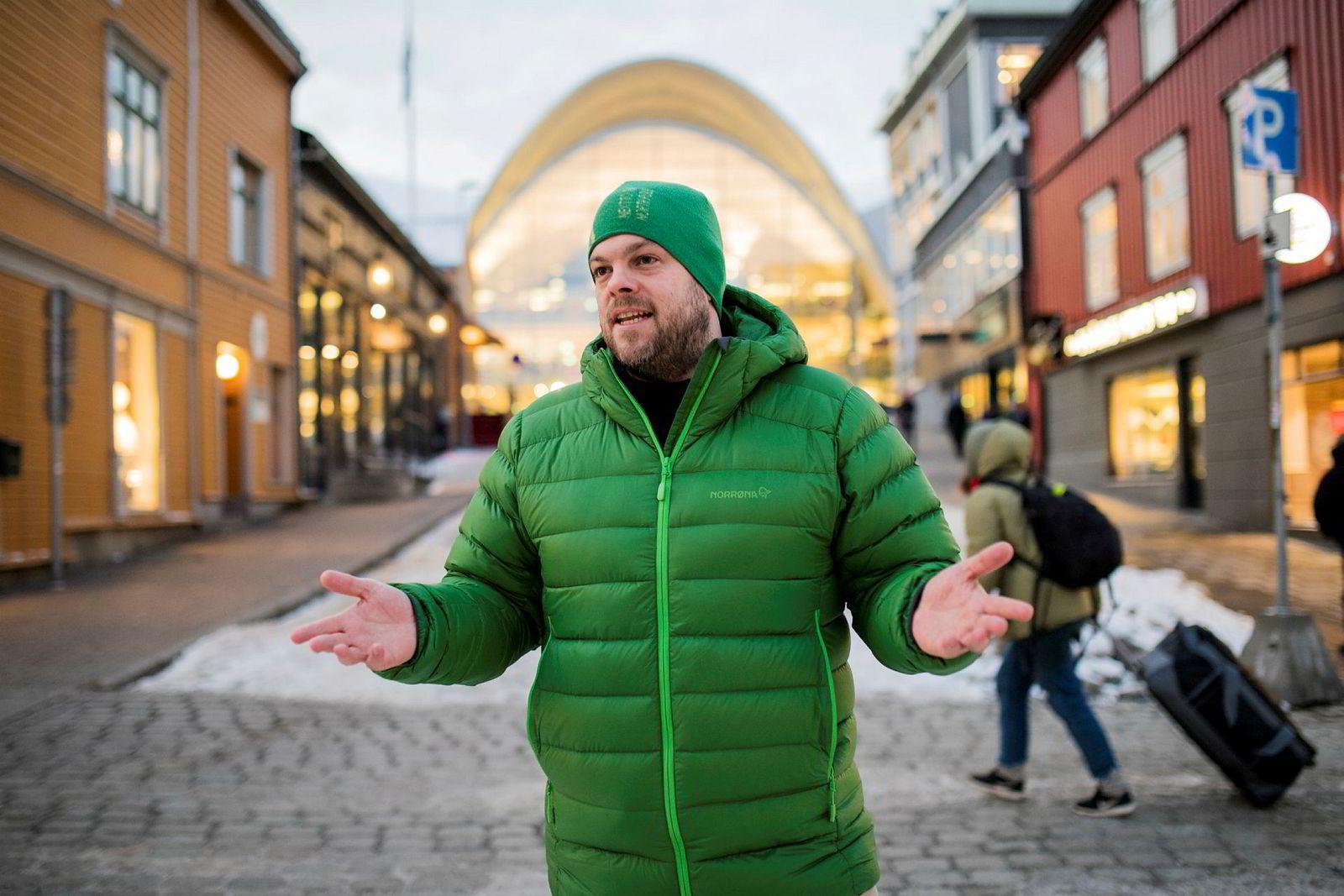 Reiselivssjef i Visit Tromsø, Chris Hudson, tror svakere valuta både vil bidra til flere utenlandske turister samt at norske bedrifter legger flere kurs og konferanser innenlands.